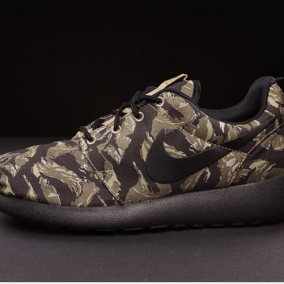 watch fad5c ca054 Army Print Nike Roshe. M 5c22ccf2c89e1dd1bdaa36a8